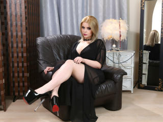 VanessaDom - Sexy live show with sex cam on XloveCam®
