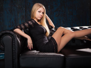 MsBlues - Sexy live show with sex cam on XloveCam®