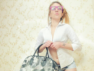SenssualleLorene - Sexy live show with sex cam on XloveCam®