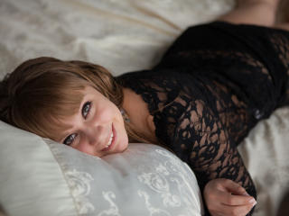 Intellectuall - Sexy live show with sex cam on XloveCam