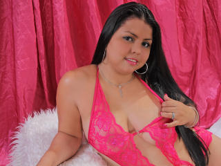 BrendaaHot - Sexy live show with sex cam on XloveCam®