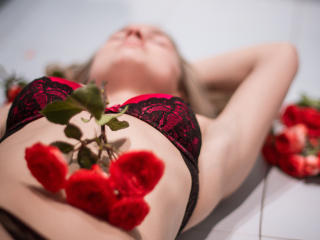 KattieWow - Sexy live show with sex cam on XloveCam®