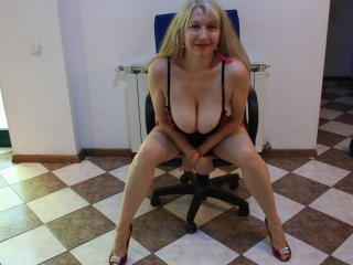 IvonaLady - Sexy live show with sex cam on XloveCam®
