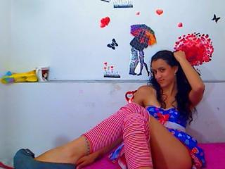 QueenIsabella - Sexy live show with sex cam on XloveCam®