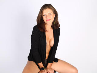 HelenShine - Sexy live show with sex cam on XloveCam