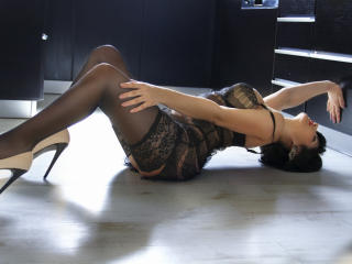 Giullya - Sexy live show with sex cam on XloveCam