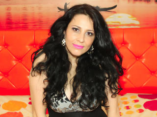 JulyMilan - Sexy live show with sex cam on XloveCam®