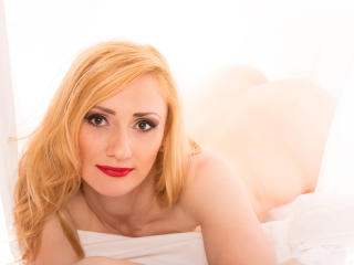 Erminex - Sexy live show with sex cam on XloveCam®