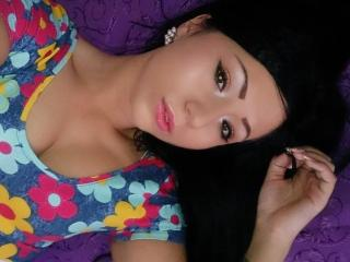 Dyandra - Sexy live show with sex cam on XloveCam