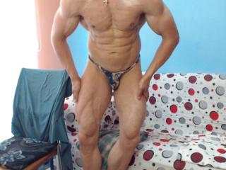 muscleshow - Sexy live show with sex cam on XloveCam