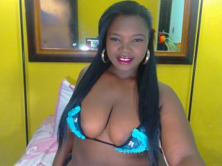 KamiilaHot - Sexy live show with sex cam on XloveCam