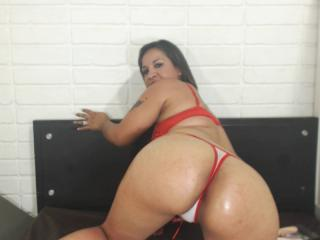CandySquirting - Sexy live show with sex cam on XloveCam