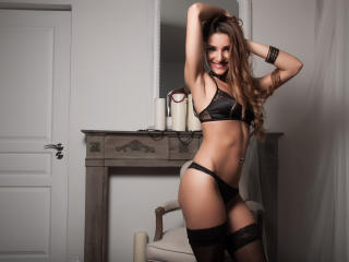 DelannieHotty - Sexy live show with sex cam on XloveCam