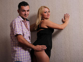 SarahAndKevin - Sexy live show with sex cam on XloveCam®