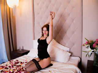 BeautyCaroline - Sexy live show with sex cam on XloveCam®