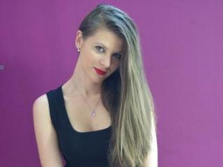SassyAlexx - Sexy live show with sex cam on XloveCam®