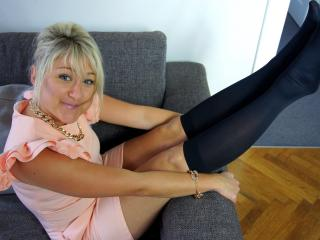 HottClara - Show sexy et webcam live sexe en direct sur XloveCam®