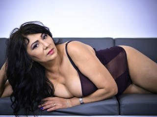 SxyVivian - Sexy live show with sex cam on XloveCam®