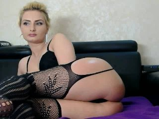 Rosalya - Sexy live show with sex cam on XloveCam®