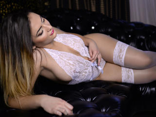 SophieAimeToi - Sexy live show with sex cam on XloveCam