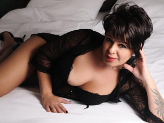Syllvie - Sexy live show with sex cam on XloveCam