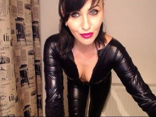 LucieGrant - Sexy live show with sex cam on XloveCam