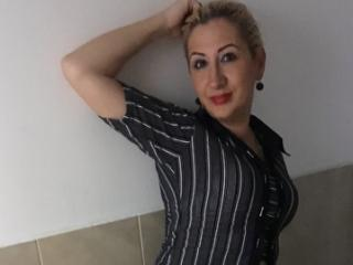 Andalousie - Sexy live show with sex cam on XloveCam®