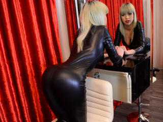 ChloeJohns - Sexy live show with sex cam on XloveCam®