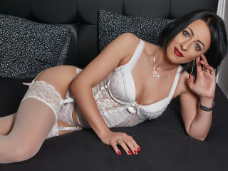 Sophiye - Sexy live show with sex cam on XloveCam®