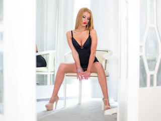 Lellie - Sexy live show with sex cam on XloveCam®