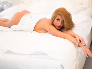 Lellie - Sexy live show with sex cam on XloveCam