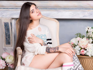 TayaShine - Sexy live show with sex cam on XloveCam®