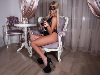 NynaShane - Sexy live show with sex cam on XloveCam