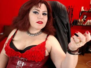 KaryQueen - Sexy live show with sex cam on XloveCam®