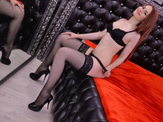 SarraEvans - Sexy live show with sex cam on XloveCam®