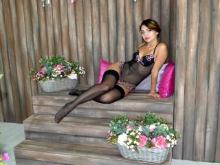 KorneliaF - Sexy live show with sex cam on XloveCam