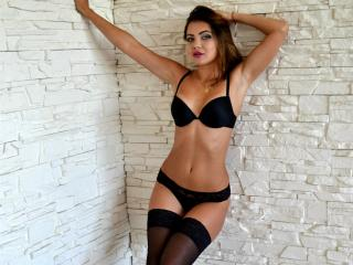 KorneliaF - Sexy live show with sex cam on XloveCam®