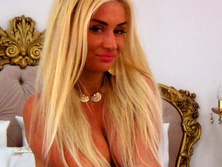 MissZhanna - Sexy live show with sex cam on XloveCam®