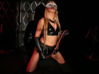 SwitchBlonde - Sexy Show und Webcam-Sex live auf XloveCam®