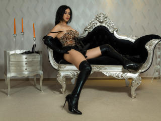 MilfOnna - Sexy live show with sex cam on XloveCam®