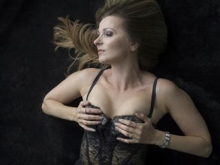 TessXsexy - Sexy live show with sex cam on XloveCam