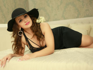 DashingFoxyX - Sexy live show with sex cam on XloveCam®