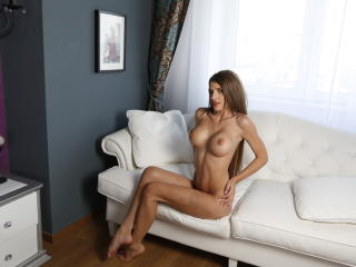 AngeAnna - Sexy live show with sex cam on XloveCam®