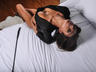 GuiltyPleasuree - Sexy live show with sex cam on XloveCam®