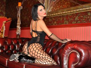 WandaDominatrix - Sexy live show with sex cam on XloveCam