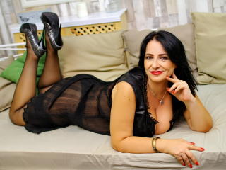 MizGlorya - Sexy live show with sex cam on XloveCam®