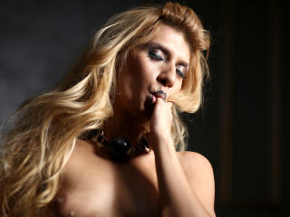 SwitchBlonde - Sexy live show with sex cam on XloveCam