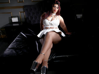 BustySubAmy - Sexy live show with sex cam on XloveCam®