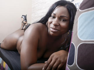 CandyHottXoxo - Sexy live show with sex cam on XloveCam
