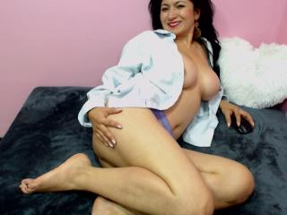 MatureBella - Sexy live show with sex cam on XloveCam
